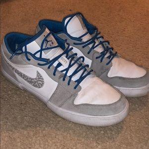 Men's Nike Air jordan Low retro 1 Size 11